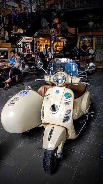 Vespa at Ch Do Co Antik Market