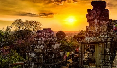 Phnom Bakheng Sunset